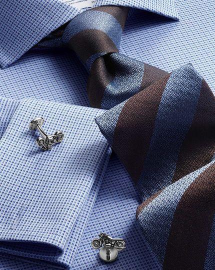 پیراهن آبی و دکمه سرآستین_نوین روز